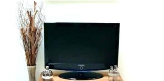 meja tv sederhana